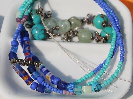 les boutiques amérindiennes proposent des bijoux turquoise sous mille et une formes